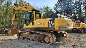 Komatsu excavator landscaping a poerty in British Columbia