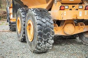 heavy duty vehicle rear wheel view